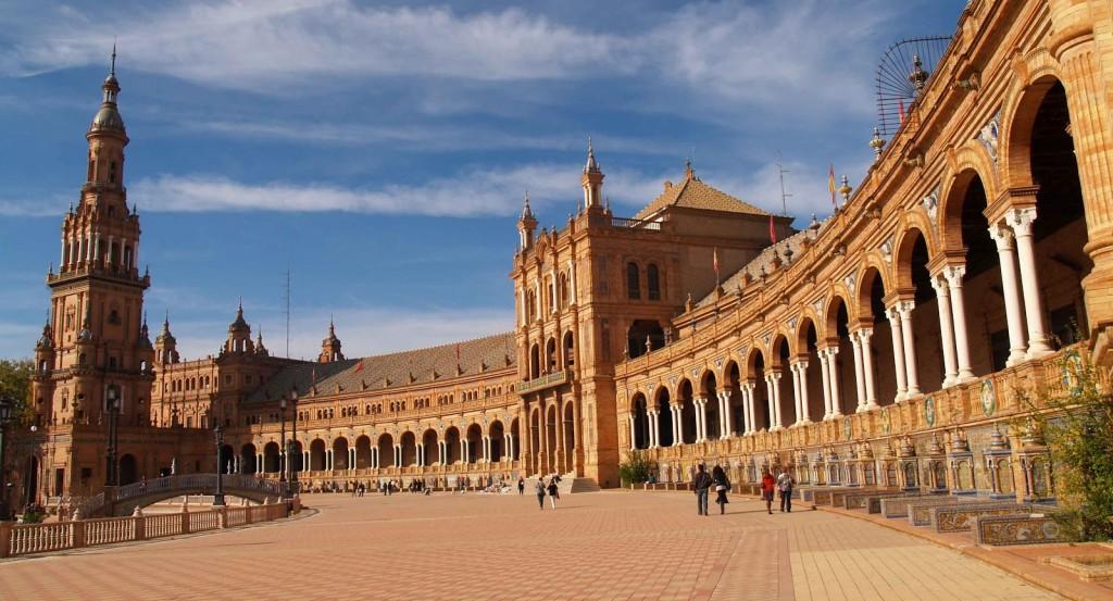 Istana Alhambra tempat tinggal raja moor tempo dulu di Andalusia Spanyol
