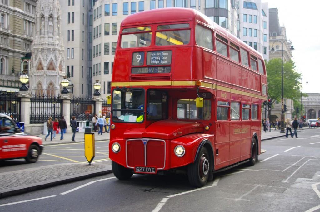 Bus di Kota London Inggris